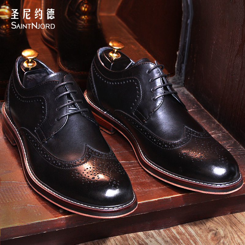 Italy fashion men's Bullock shoes top quality handmade carved oxford shoes business men's formal shoes dress wedding flat shoes