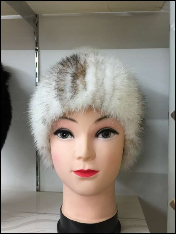 New Arrival Hot sale real mink fur hat for women winter knitted mink fur beanies cap with fox fur pom poms female cap