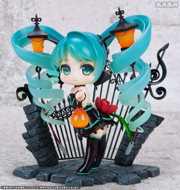15cm Q version light Hatsune Miku Anime Collectible Action Figure PVC toys for christmas gift with retail box