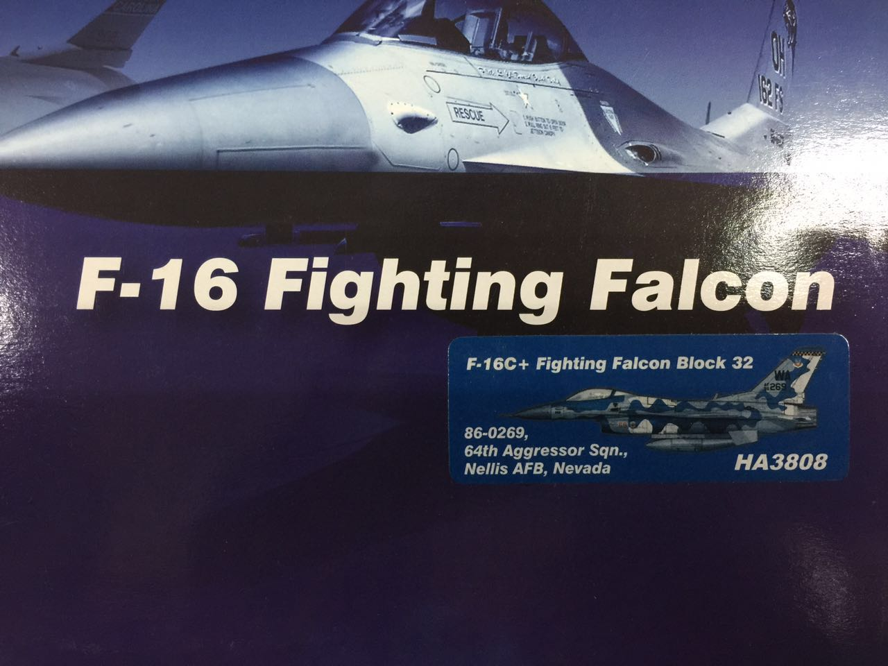 Hobby Master HA3808 F-16C Fighting Falcon U.S. Air Force Nell Air Force Base in nice Finished Model