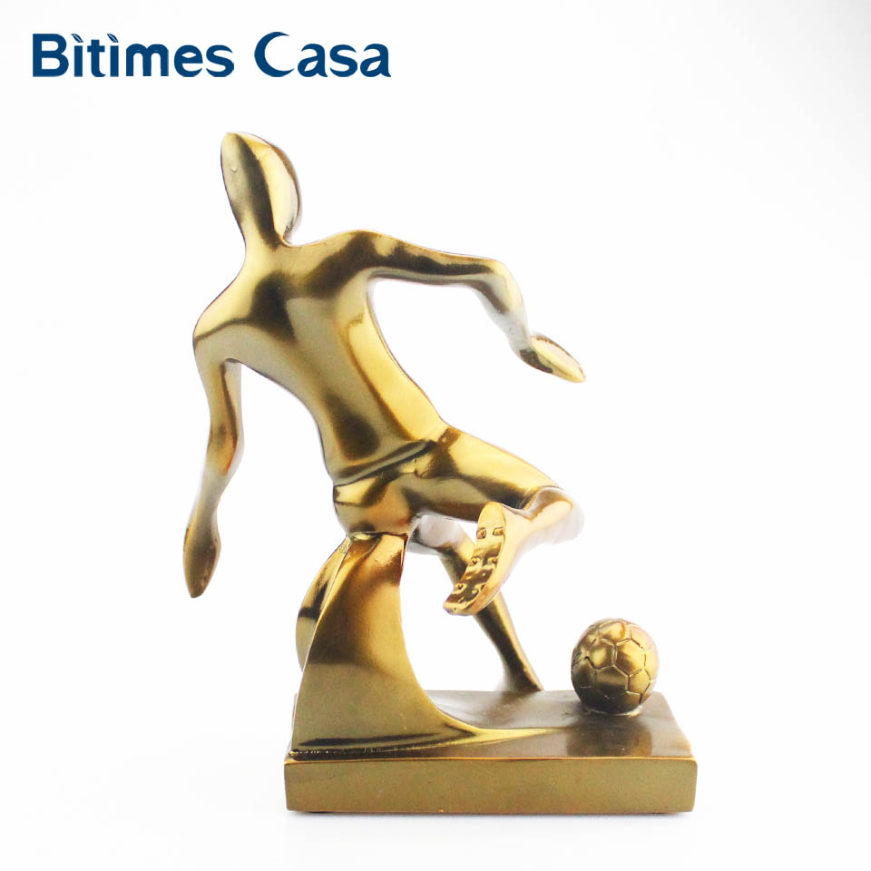 Bitimes Miniature Figurines Footballer Decorative Figurines Resin Ornament Art Home Decoration