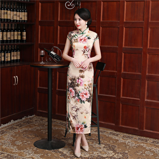 51dd71232d6 Fashion Long Cheongsam Dresses 2018 Summer New Oriental Chinese style Women  Silm Qipao dress Print Flower Size M-3XL