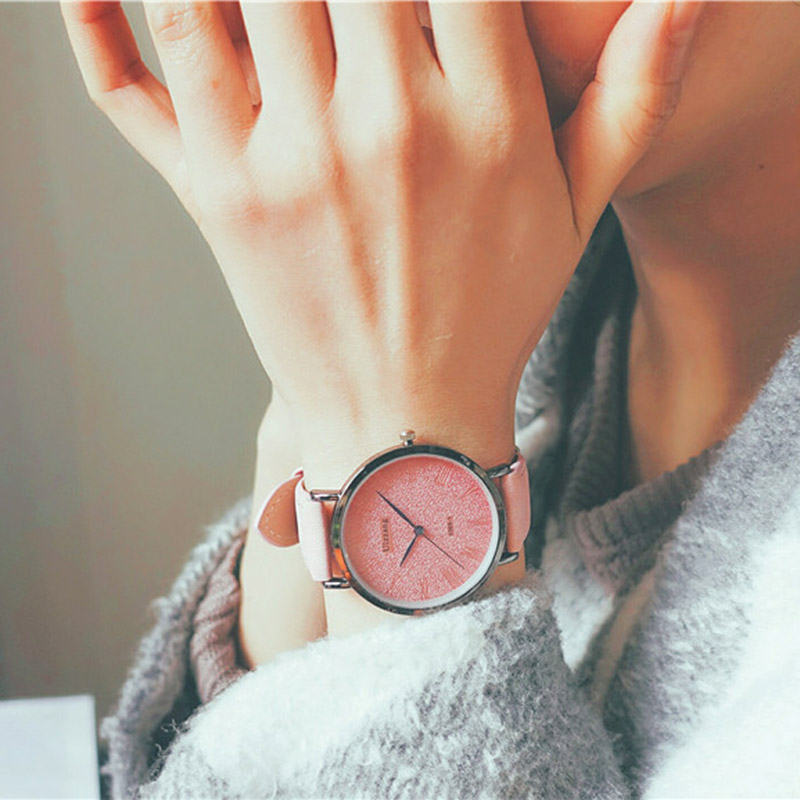 1 Pcs Women Men Couple Wrist Quartz Watch Round Alloy Case Fashion Casual Gift BMF88