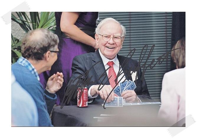 Warren Buffett autographed signed photo 4*6 inches authentic freeshipping  01.2017 warren e buffett lawrence a cunningham los ensayos de warren buffett