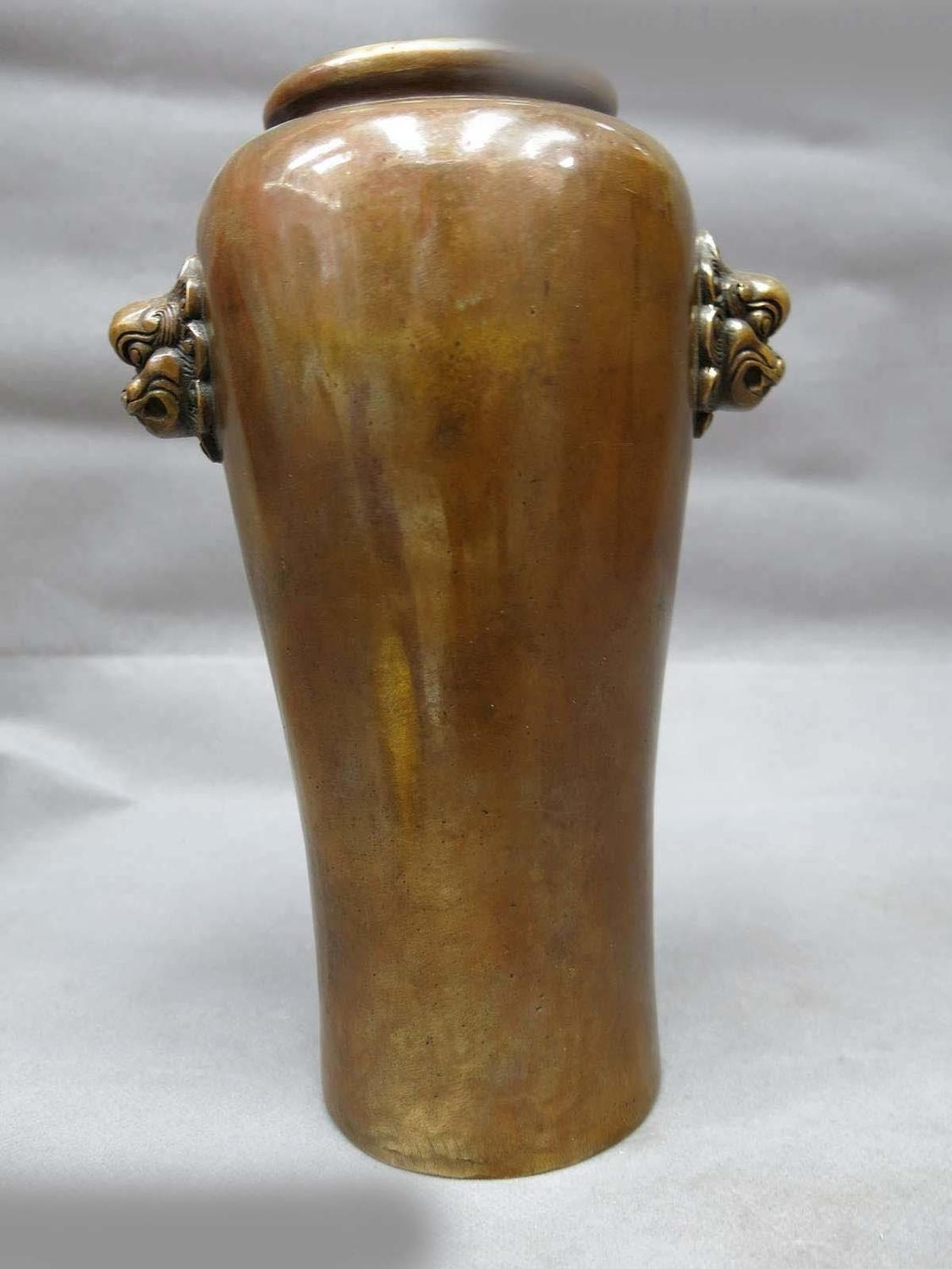 DS China Brass Carved Beautiful Dragon Hand Copper Vase Fine Pot Sculpture Statue