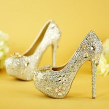 Luxury glass slipper wedding shoes Waterproof diamond bridal shoes White shoes high heels shoes summer wedding photographs