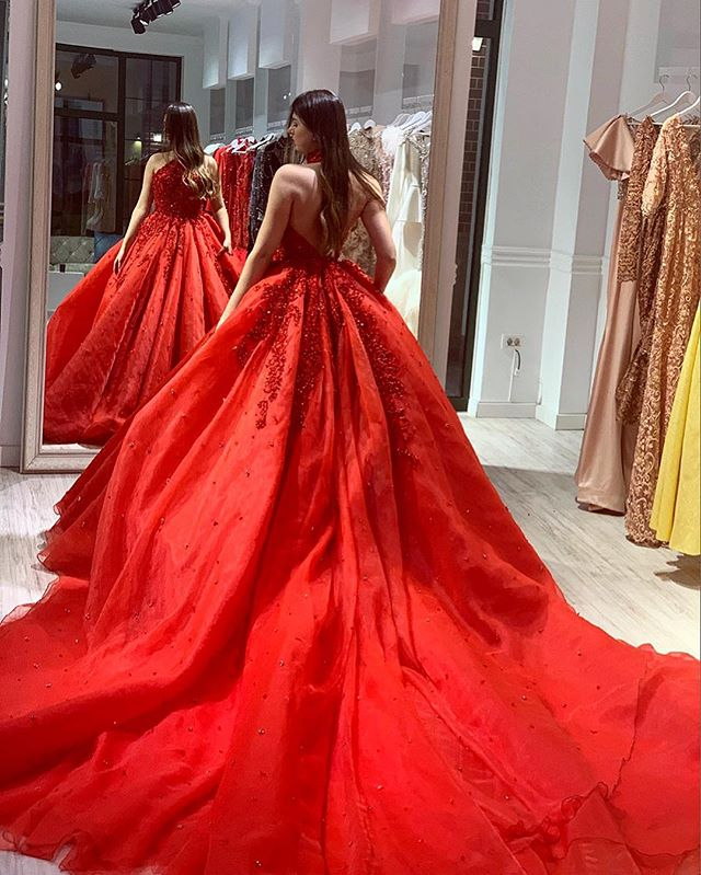 Ball Gown Red Evening Dress 2019 Halter Beads Applique Lace Backless Prom Dresses Reception Long Gowns For Lady