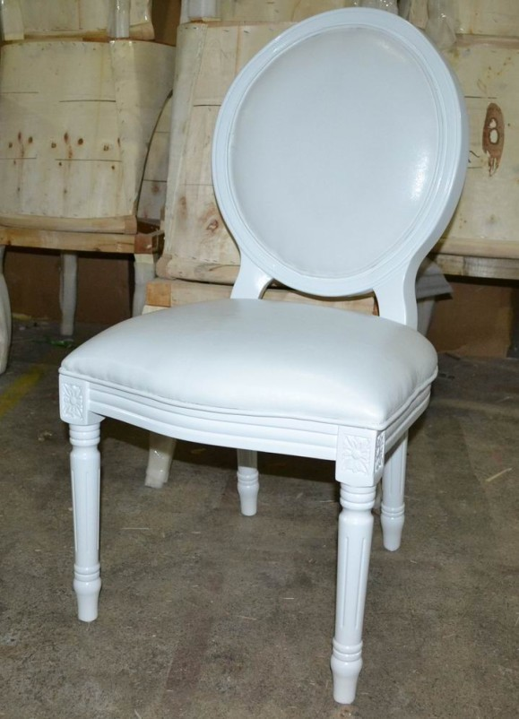 shiny_white_banquet_glossy_louis_chair_XD1001
