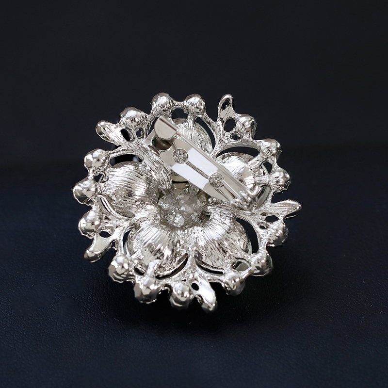 Charming Rhinestone Simulated Pearl Flower Brooches Women's Scarf Buckles