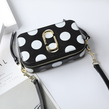 цены Women handbag 2019 new fashion wide shoulder strap camera bag female 100% leather shoulder slung small square bag hit color bag