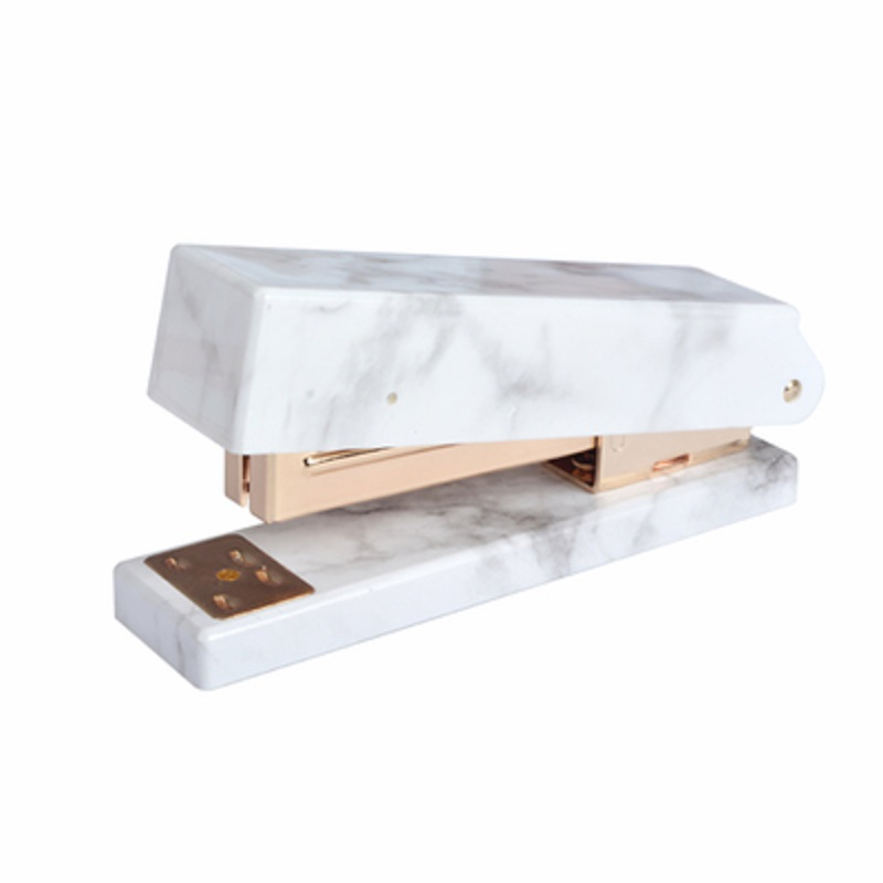 befriend 2018 new arrival marble metal stapler books rose gold stationery manual normal 24/6 26/6 standard stapler free shipping deli 0451 candy color stitching machine set mini stapler belt clip staples attached manual mini stapler
