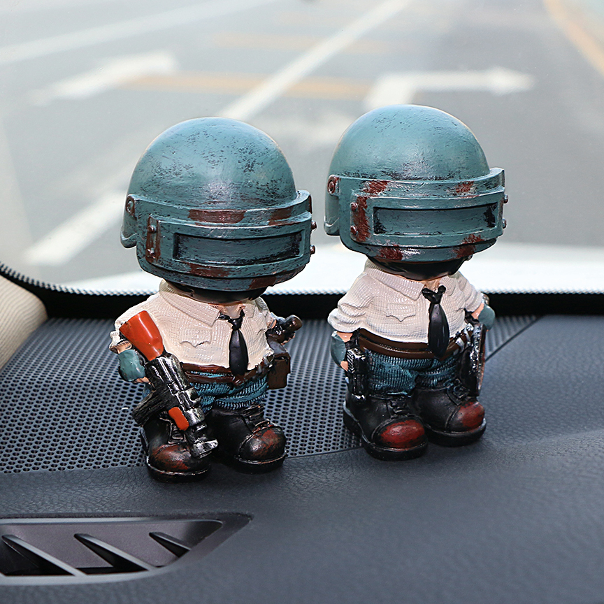 Auto Ornamenti Carino Bambola Della Resina Per PUBG Playerunknowns Battlegrounds Automotive Interior Dashboard Decorazione Figura Giocattoli Regalo