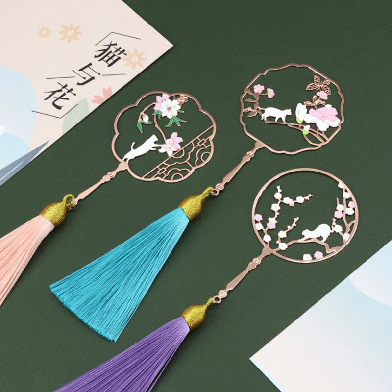 1 Pcs Vintage Chinese Style Fan Shape Flower Cat Tassels Metal Bookmarks Book Marker Page Holder Gift Stationery