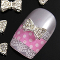 B302 50 unids/lote Nail art metal plata 3 D aleación transparente de cristal de diamante pajarita yakeli salón de decoración pronta