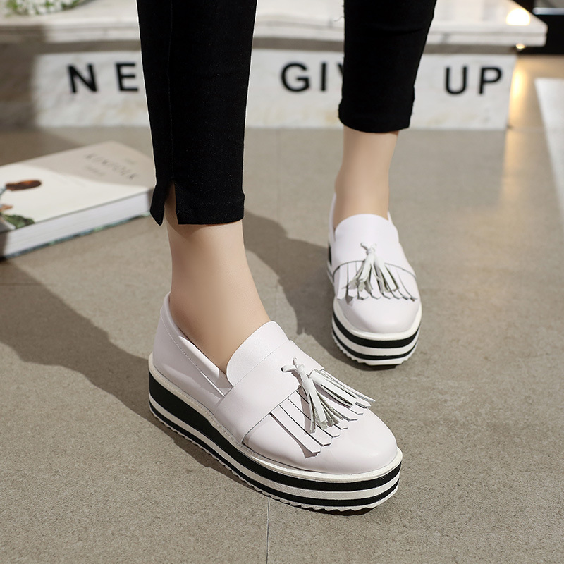 ФОТО Autumn new star in the pedal tassel women's loafers large base shoe sponge soles