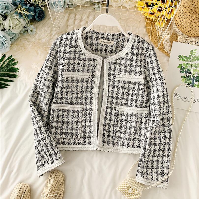 Taotrees Women Autumn Slim Black and White Plaid Top Weaving Short Round Neck Jacket