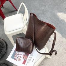 حقيبة يد نسائية أنيقة بتصميم كلاسيكي ذات جودة عالية من جلد البولي يوريثان حقيبة يد نسائية مصممة حقيبة على شكل دلو من التمساح حقيبة ساعي البريد على الكتف