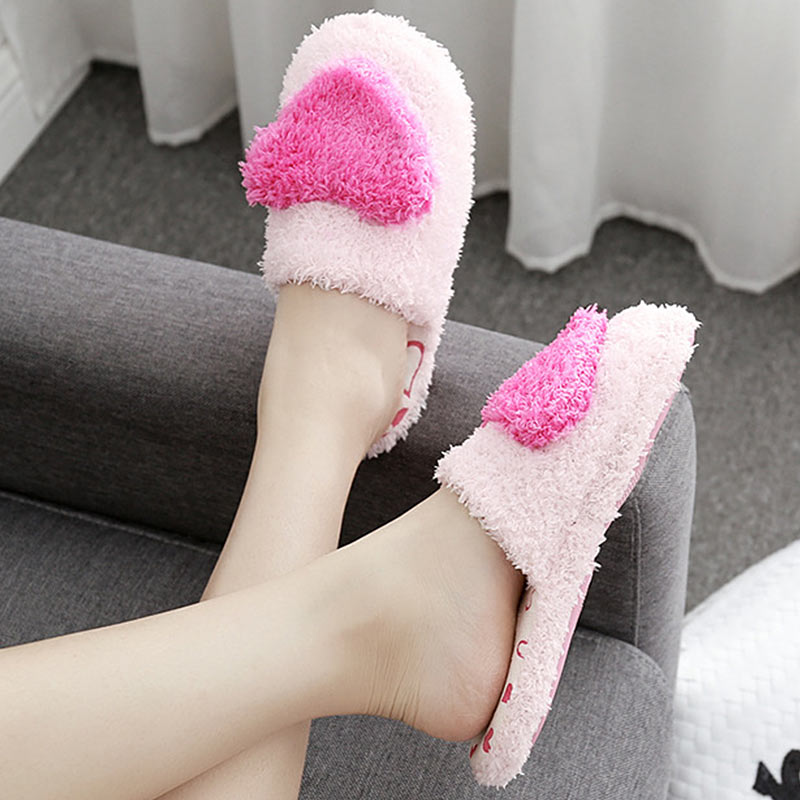Winter Cotton Home Slippers Women Indoor Warm Soft Bottom Fur Slippers Cute Heart-Shaped Female Cotton Shoes Designer Slides big size44 warm home slippers women bedroom winter slippers cartoon slippers fur slides autumn lovers female indoor soft bottom