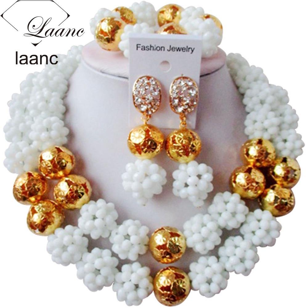 8de5a08c2aa8 Encanto blanco bola de cristal mujeres collares joyería nigeriana cuentas  de joyería Africana conjunto ABC656