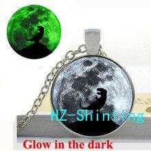 Светящееся ожерелье динозавра и Луны Подвеска в виде динозавра стеклянные ювелирные изделия с изображением полной Луны светится в темноте ожерелье