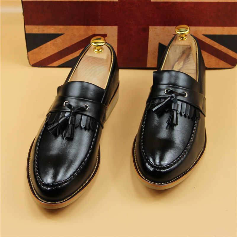 ใหม่ผู้ชายแฟชั่นพู่หนัง Loafers สไตล์อังกฤษ Vintage Slip บนหนังรองเท้าแตะรองเท้าผู้ชาย Oxford รองเท้า