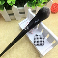 1pcs New Arrive Original Famous Body Tattoo Artist Kat Brand No.25 Von Lock It Precision Makeup Powder Brush
