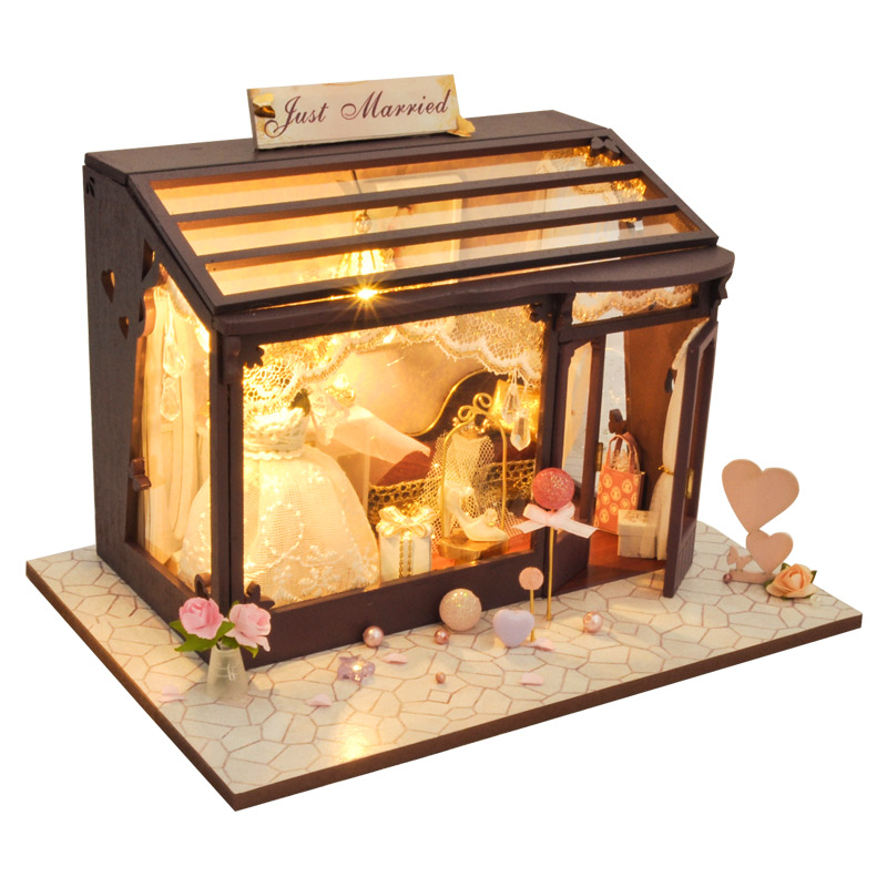 CUTEBEE DIY Doll House Wooden Doll Houses Miniature Dollhouse Furniture Kit Toys For Children Christmas Gift TD24