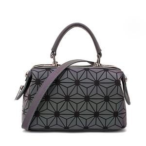 Image 3 - Moda geometryczna torebka torba kobiety Luminous Boston torba kobieta Messenger torby damskie zwykłe torby na ramię Tote Clutch Sac bolso