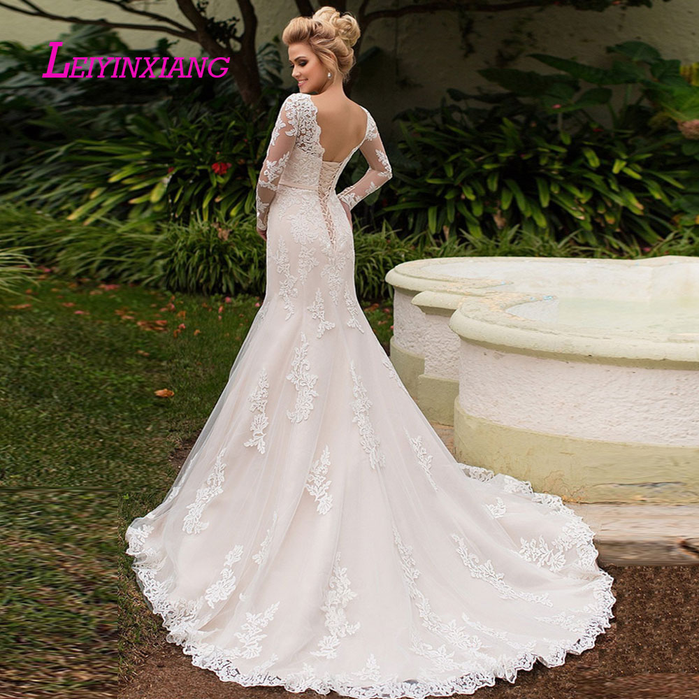 Image 2 - LEIYINXIANG New Arrival Wedding Dress Bride Gown Vestido De Noiva Sexy Mermaid Sweetheart Backless Bow Sashes Appliques Princess-in Wedding Dresses from Weddings & Events
