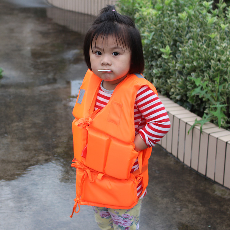 High Quality 2019 outdoor Drifting Bubble children jacket with whistle swimsuit reservoir designed inflatable boat first aid in Life Vest from Sports Entertainment