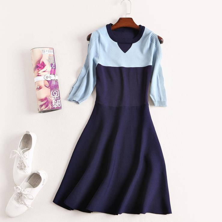 A clearance sale European and American women's Autumn new fund Fashion round collar color skin reveals shoulder Knitted dress