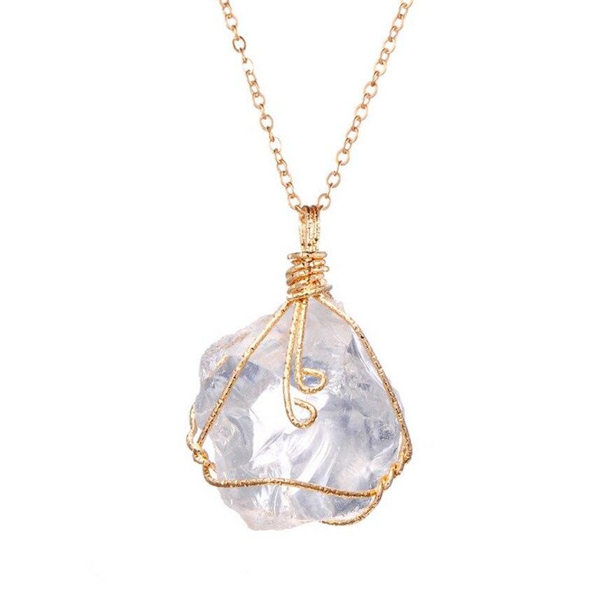 Heißer natürlichen kristall ursprünglichen stein unregelmäßige ...