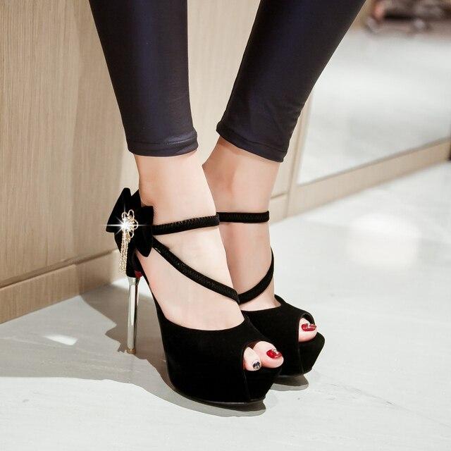Super Eleganti Sandalo Delle Donne di Alta Flock Qualità Flock Alta Bowtie e6ee5e