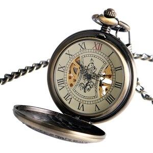 Image 2 - Funda hueca de bronce Retro, Número romano, mano esqueleto, viento, Mehanical, relojes de bolsillo con cadena, Reloj de bolsillo