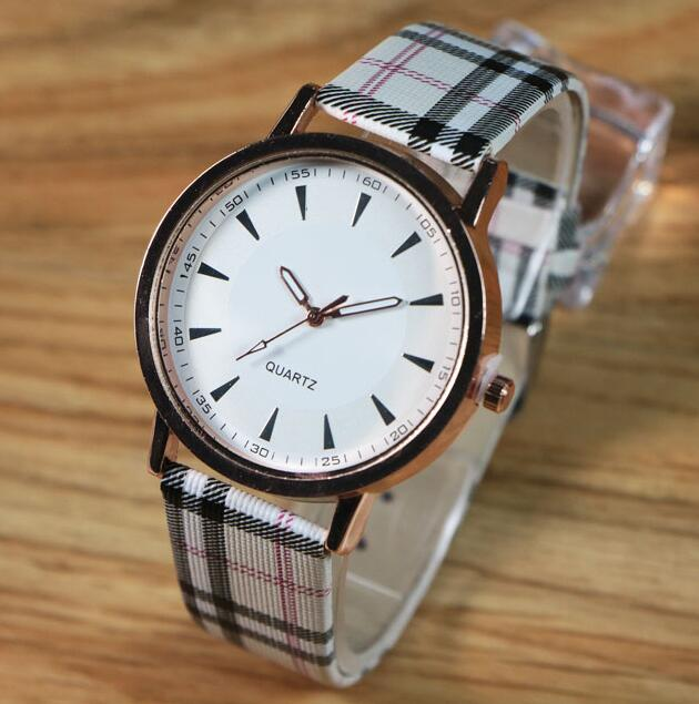 New Fashion Brand Bracelet Watches Women Men Casual Quartz Watch Leather Strap Dress Wrist Watch Wristwatch