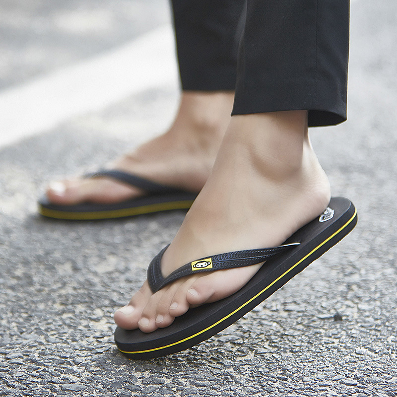 e6d991876617 XMISTUO Summer narrow Classic Couples Beach Flip-Flops Flat with Monkey  Monkey Casual Slippers Simple Handsome Youth flip flops