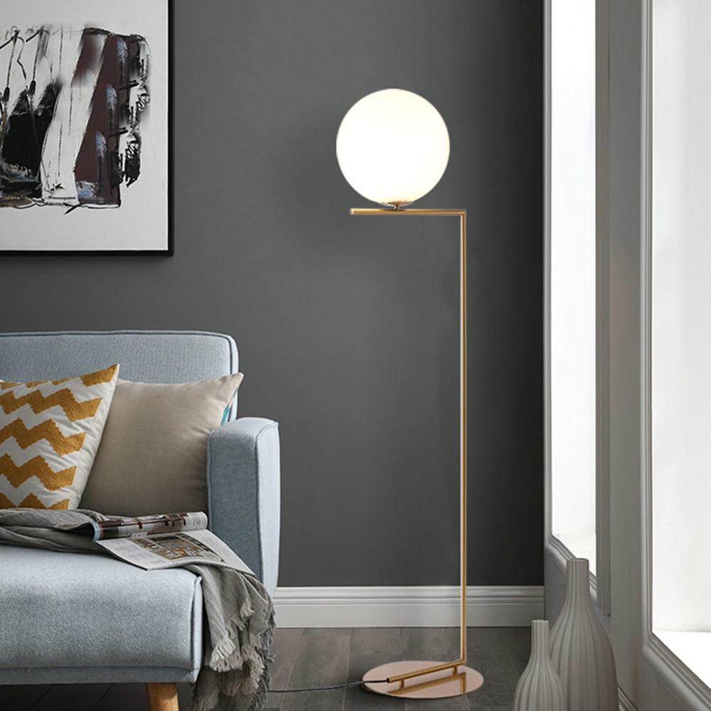220v 110v nordique Design Post moderne or blanc métal LED grand lampadaire Stand lumière avec Table pour Salon Salon de beauté