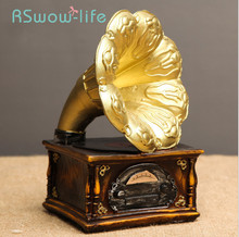 Creative Resin Retro Record Player Bar Home Crafts Ornaments Coffee Shop Decorations Phonograph Model For