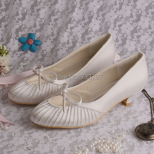 Wedopusขนาดบวกน่ารักผีเสื้อรองเท้าแต่งงานผู้หญิงสีเบจซาตินเจ้าสาวรองเท้าส้นต่ำ