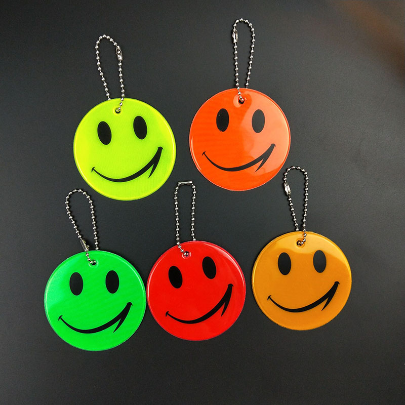 Cute Smile Face Reflective Keychain Bag Pendant Accessories High Visibility Keyrings For Traffic Visible Safety Use