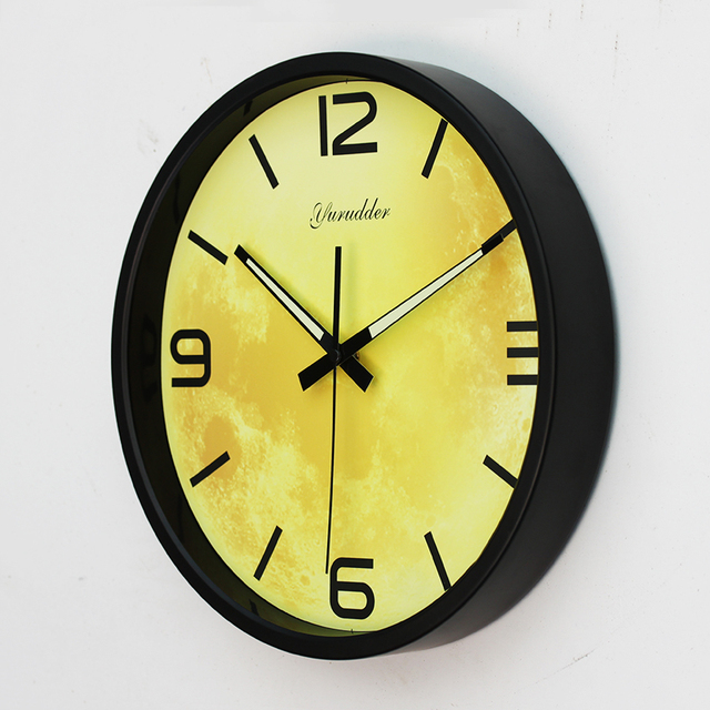New Arrival 12 Inches The Moom Design Metal Frame Modern Fashion Round Wall Clock LUMINOVA Decorative Wall clock