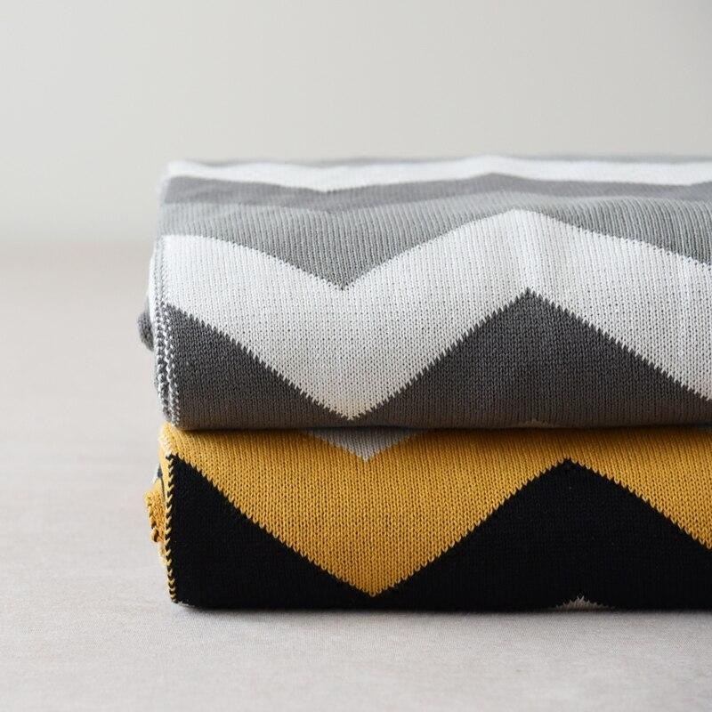 Coton tricoté double-face géométrique couverture multifonctionnelle  climatisation couverture Bureau couverture jambe Bébé air couverture 849f9e1b716