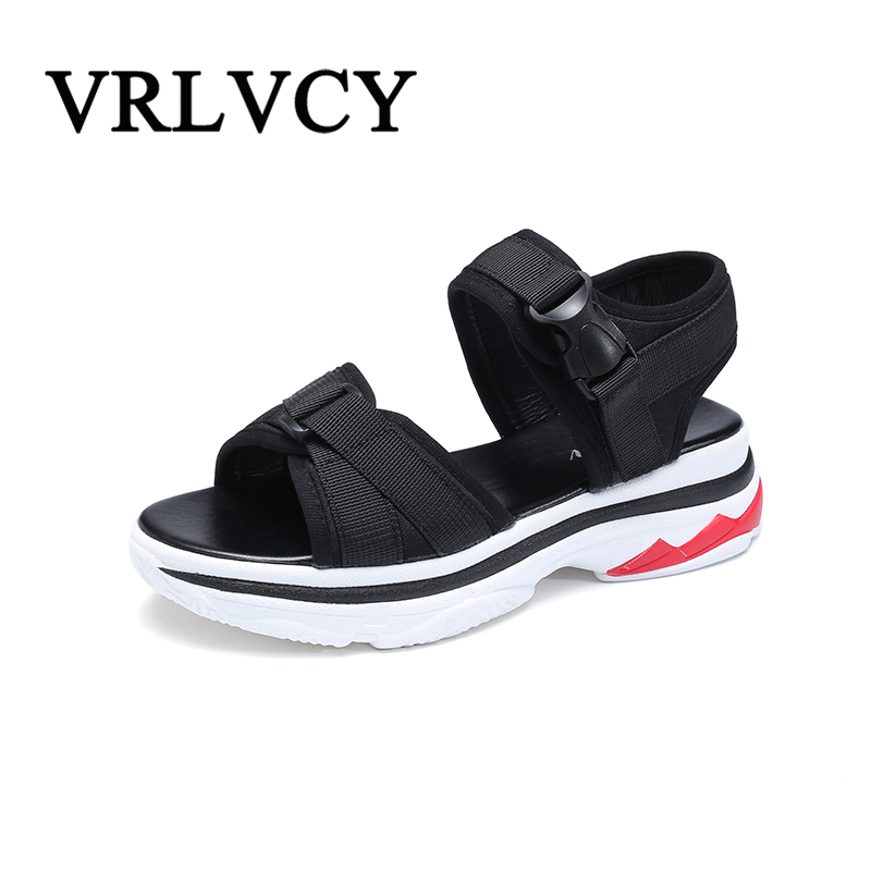 2018 Summer Womens Beach Sandals Womens Walking Outdoor Girls Camping Outing Summer Explosions