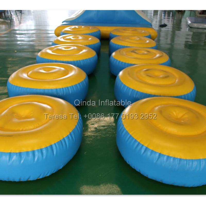 1m Diameter Inflatable Floating Water Toy Running Road Wiggle Bridge For Inflatable Water Park funny summer inflatable water games inflatable bounce water slide with stairs and blowers