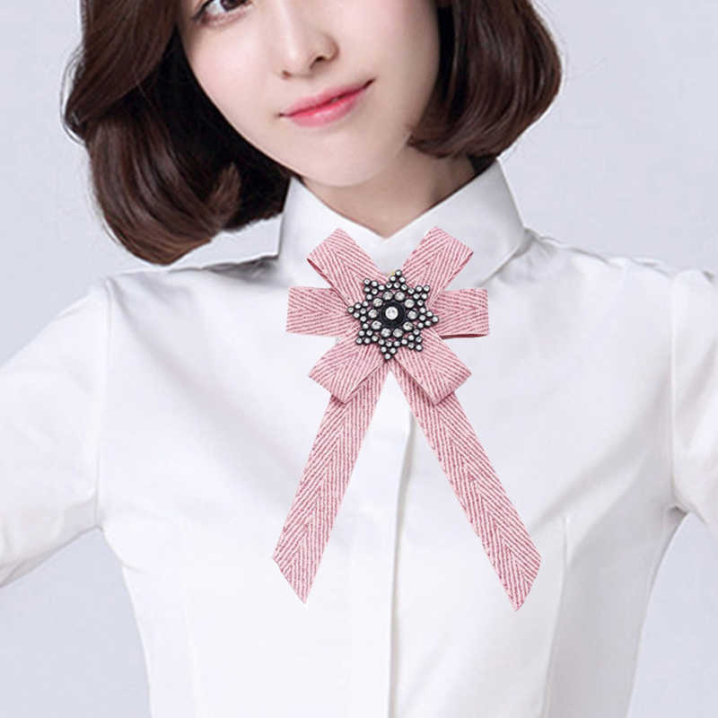 ... XY Fancy 2018 New Big Rhinestone Brooches For Women Bowknot Shirt Bow  Brooch Tie College Wind ... 521e905a7c44