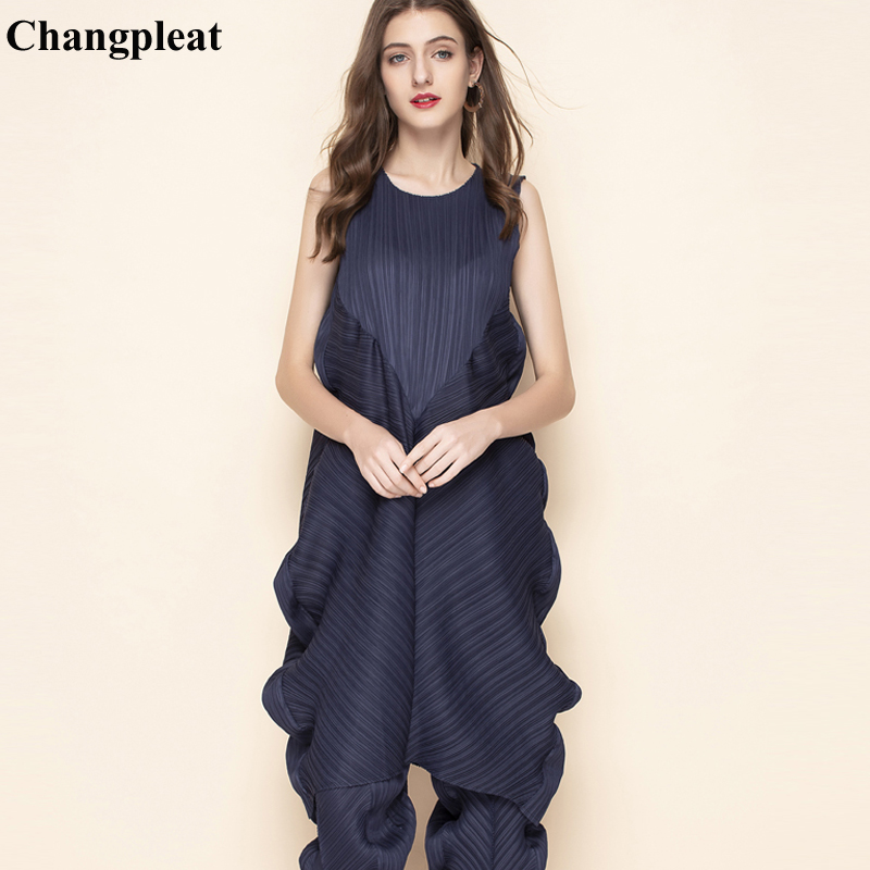 Changpleat 2019 Summer New Women Dresses Miyak Pleated Fashion Design Sleeveless Solid Loose Large Size Female Dresses Tide D890