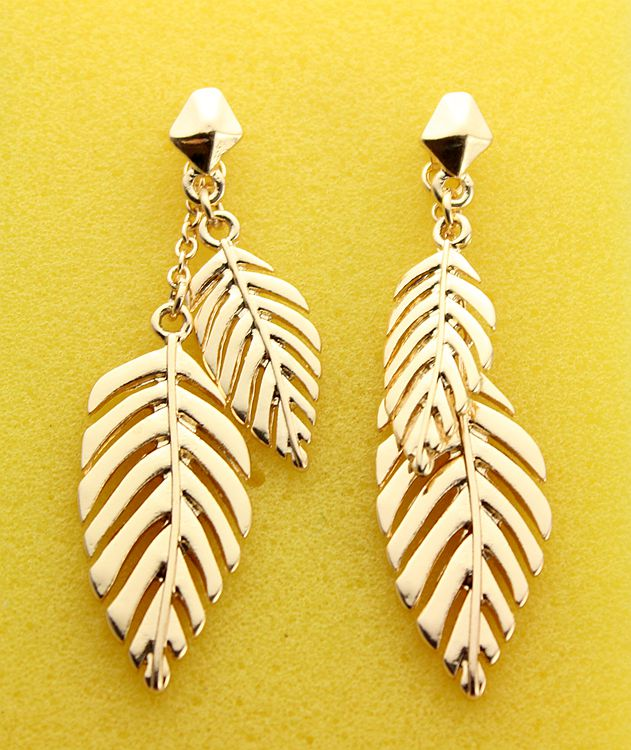 2016 Vintage Jewelry Exquisite Leaf Earrings Modern Beautiful Feather Stud Earrings for Women