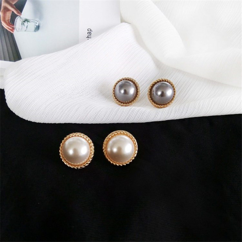 Stud earrings female metal round pearl women stud earrings elegant fashion minimalist pearl stud earrings earrings of women 1