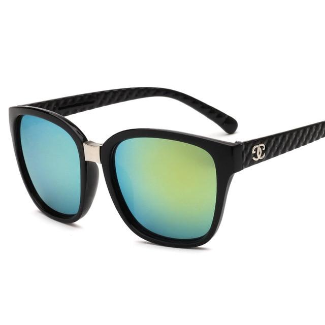 Women's Elegant Vintage Style Sunglasses with Black Frame