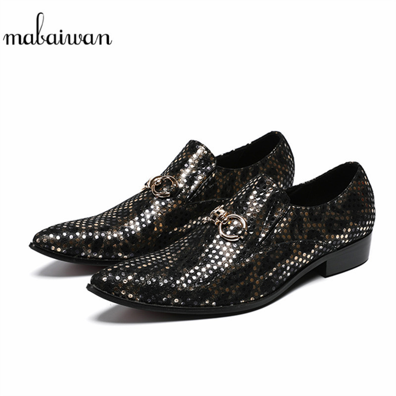Mabaiwan 2018 Casual Men Shoes Formal Loafers Pointed Toe Gentleman Wedding Dress Shoes Men Gold Chain Business Polka Dot Flats недорго, оригинальная цена